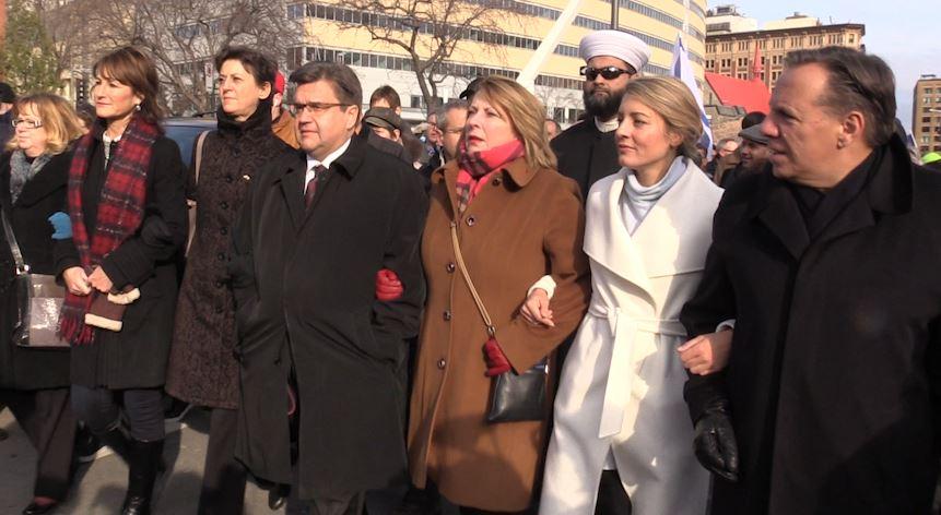 Montréal marche en solidarité avec la France