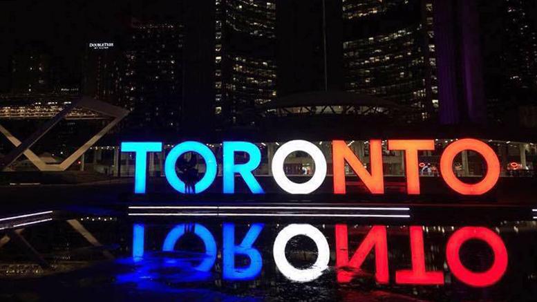Attentats à Paris : les classes politiques canadiennes et québécoises réagissent vivement