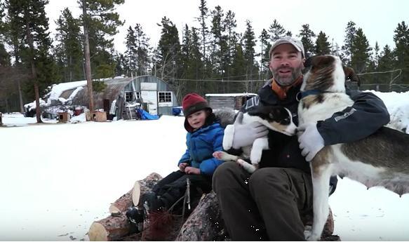 De la France au Yukon : La famille huskies