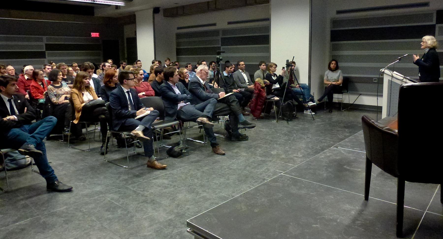 """En Marche Montréal affiche """"complet"""" pour sa conférence pour """"réenchanter"""" l'Europe"""