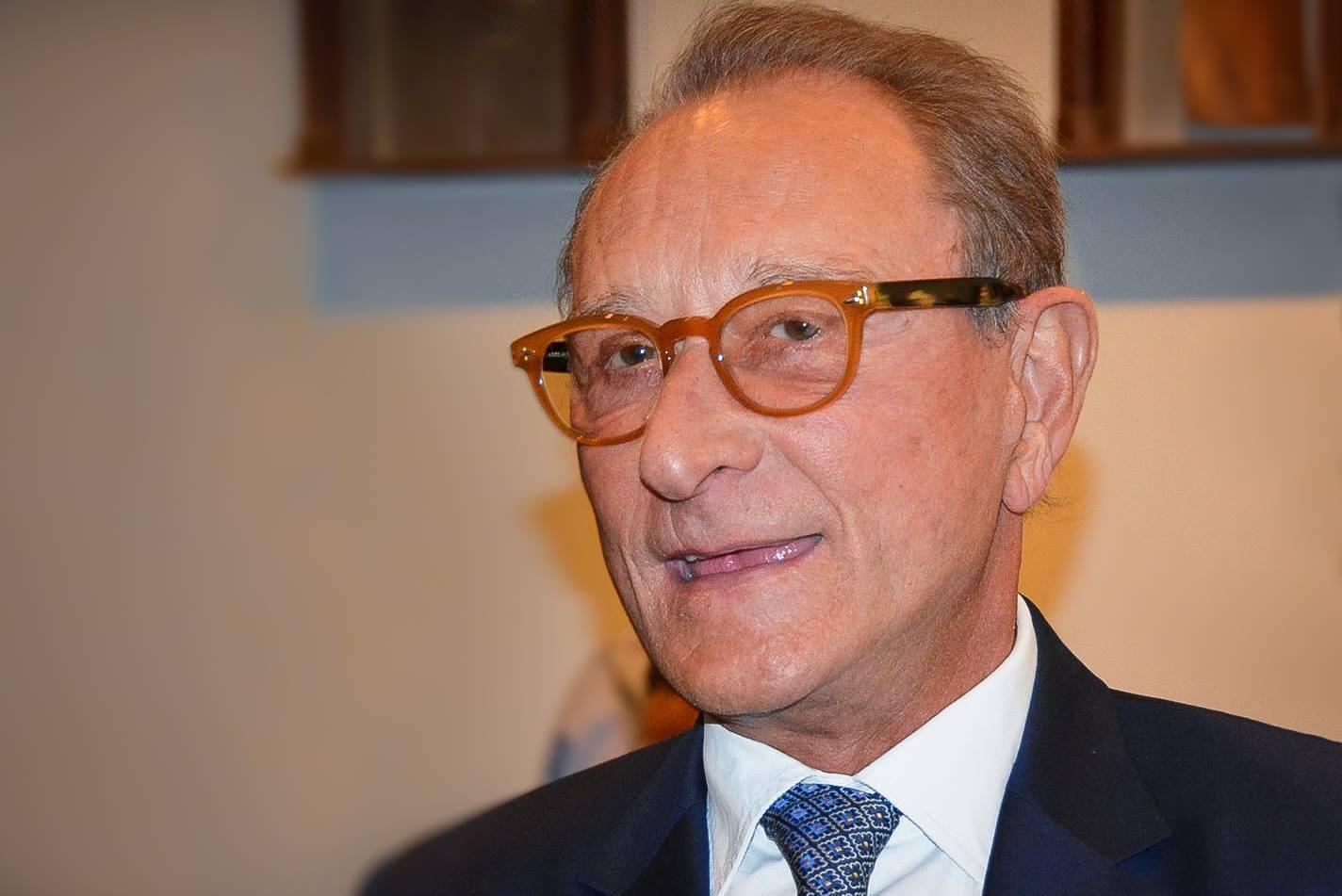 """L'ancien maire de Paris, Bertrand Delanoë, plaide la cause de la """"ville durable"""" à Montréal"""