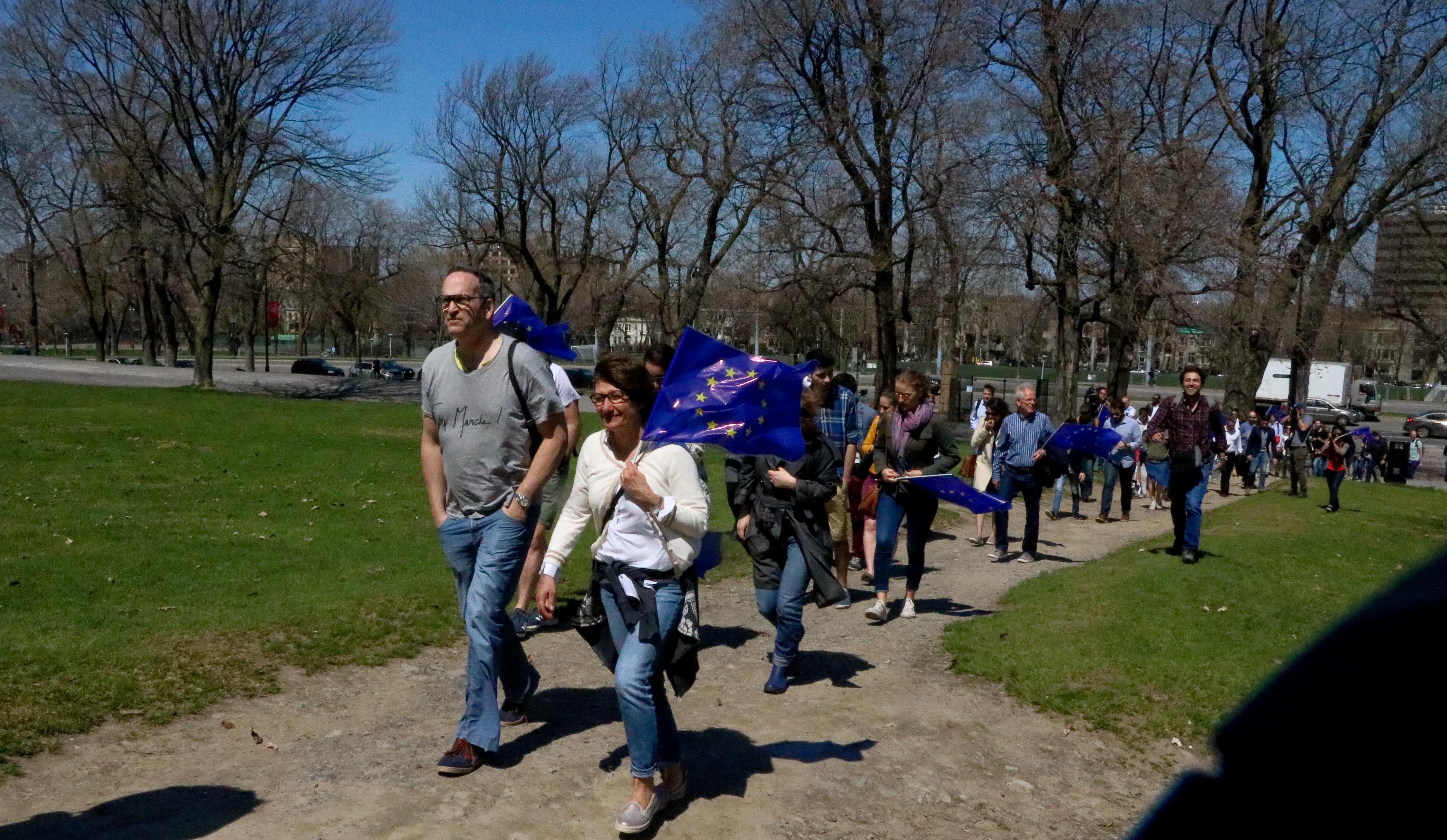 Timide mobilisation contre le Front National à Montréal