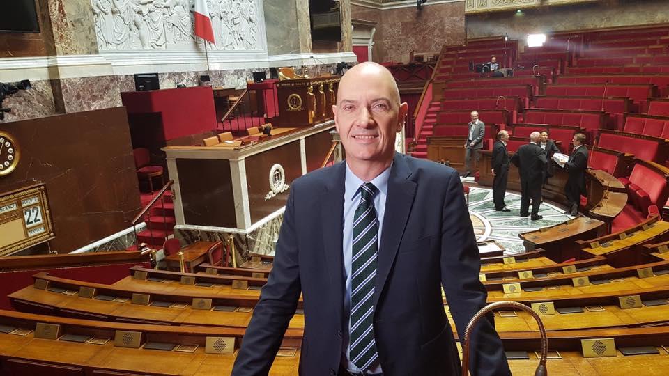 Le ministre Le Drian écrit à Roland Lescure pour rassurer ses compatriotes de l'étranger