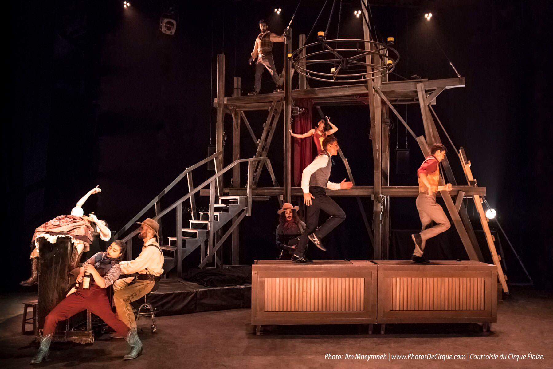 Saloon, nouveau spectacle du Cirque Éloize à taille humaine