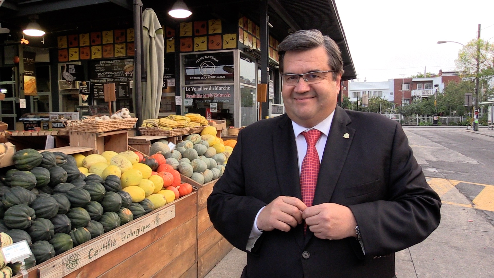 Municipales 2017: Denis Coderre met la France au coeur des relations internationales de Montréal