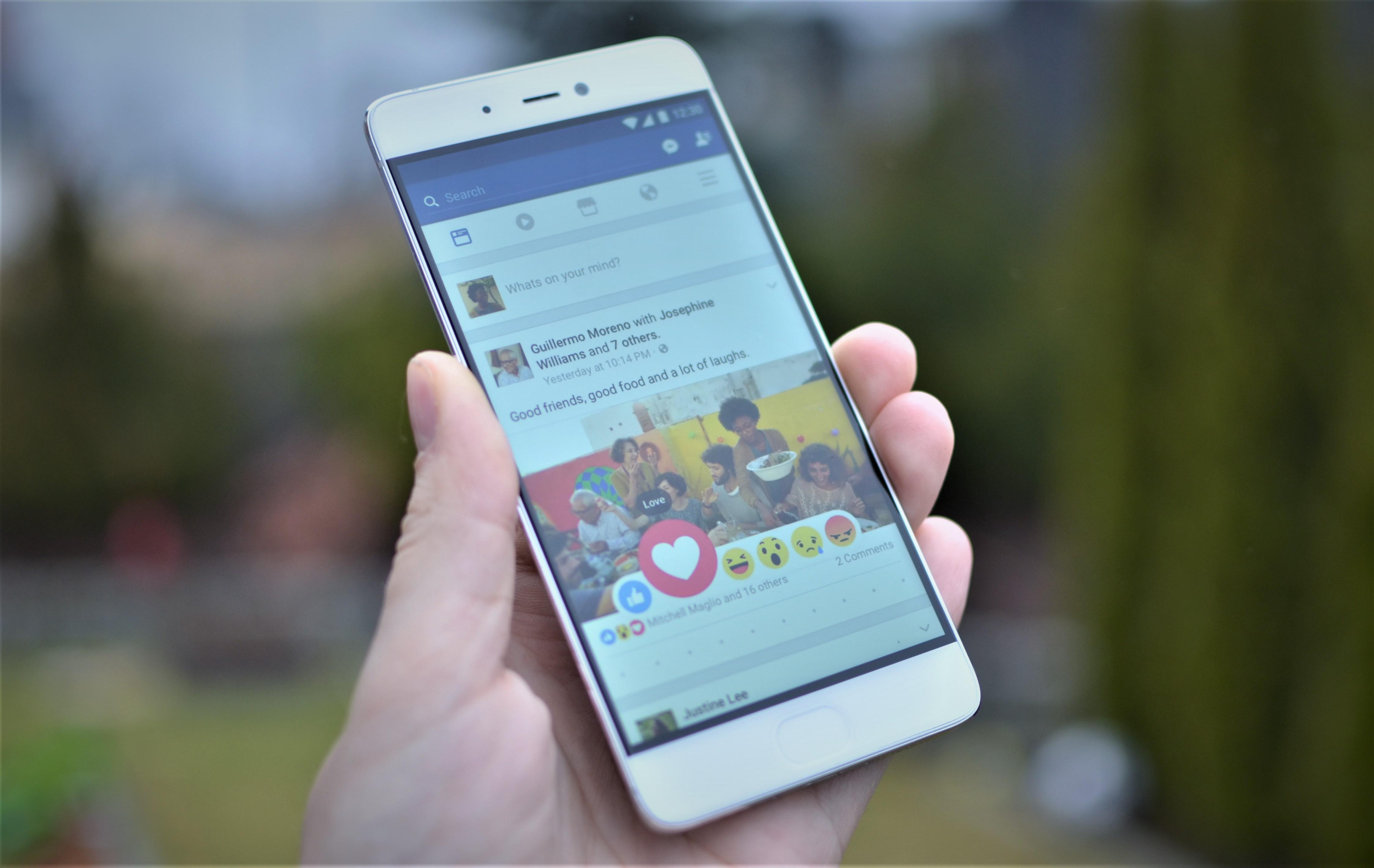 C'est la Saint-Valentin, surveillez votre Facebook!