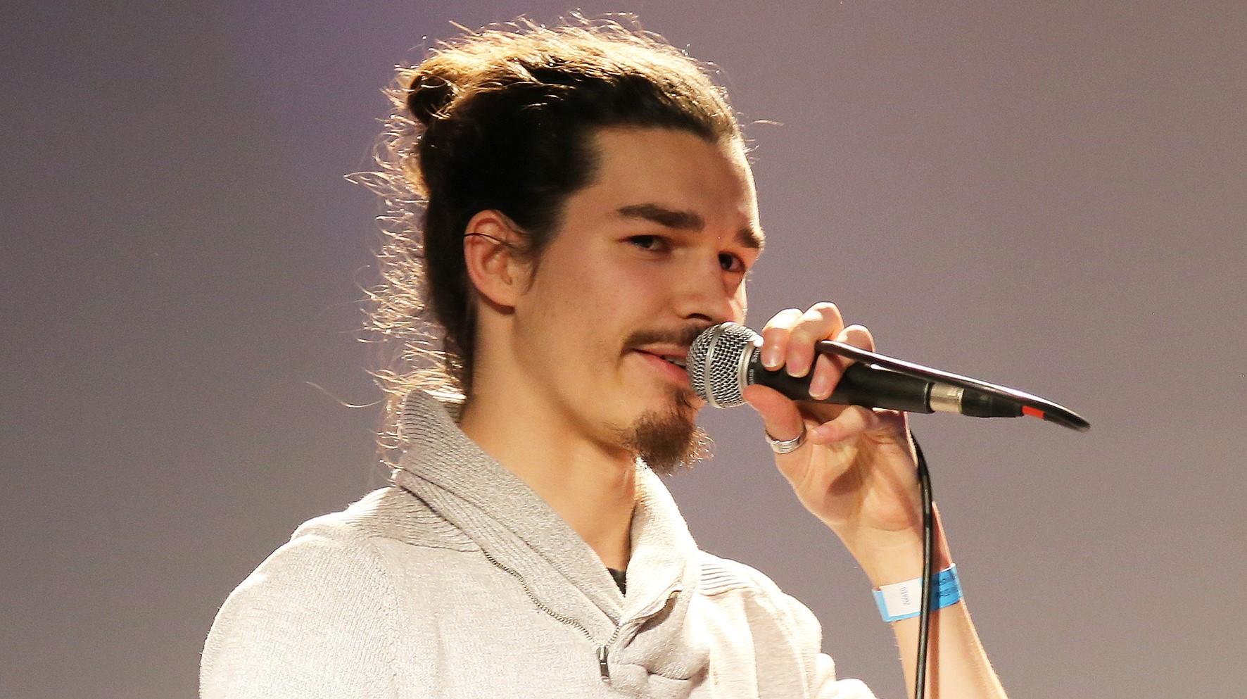 Géraud, un jeune poète du slam, bientôt sur les scènes québécoises