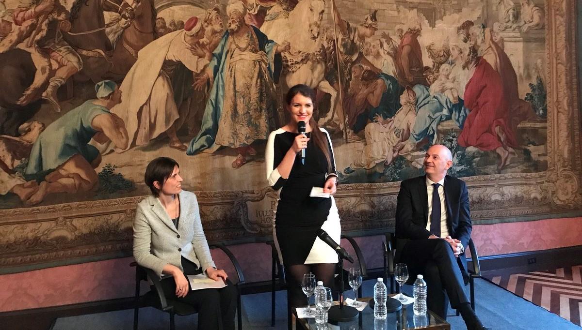 Égalité femme-homme, le rapport de Roland Lescure remis à Marlène Schiappa