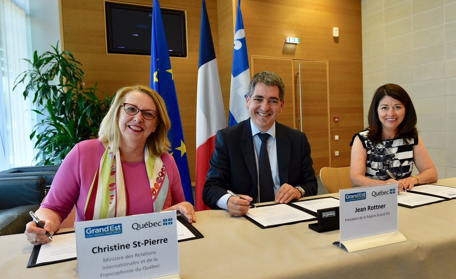 La ministre Christine St-Pierre en visite dans le Grand Est de la France
