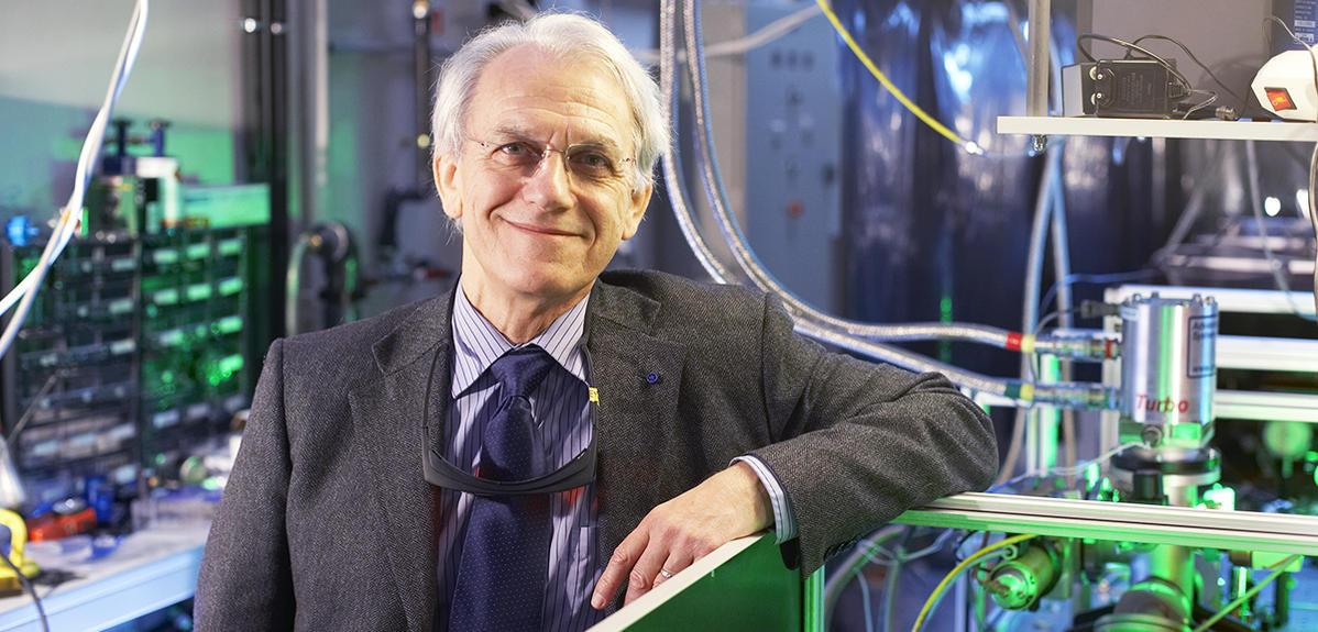 Un Prix Nobel Franco-Canado-Américain